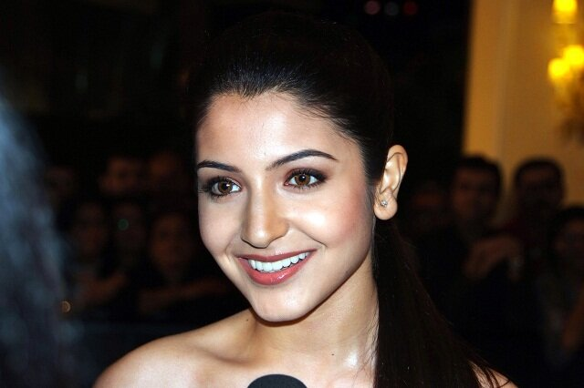 Anushka Sharma, hot bollywood actress