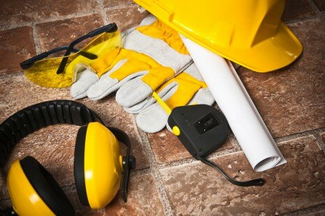 What Are The Advantages Of Wearing Work Safety Gear