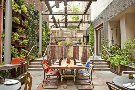 Easy Ways to Perk up Your Restaurant Outdoor Area